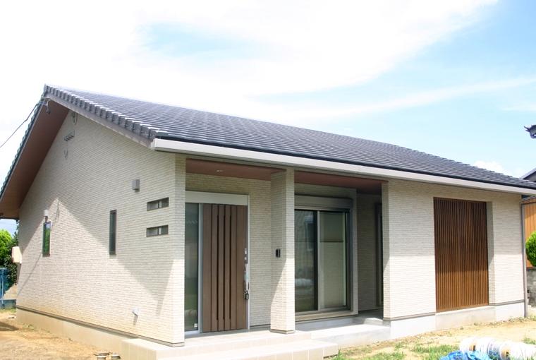 施工事例|安水建設|愛知県三河エリアの木造注文住宅・リフォーム無垢一枚板カウンターのある和邸