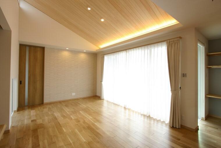 エースホーム|施工事例|安水建設|愛知県三河エリアの木造注文住宅・リフォームシンボルツリーを囲むプライベートガーデンの家
