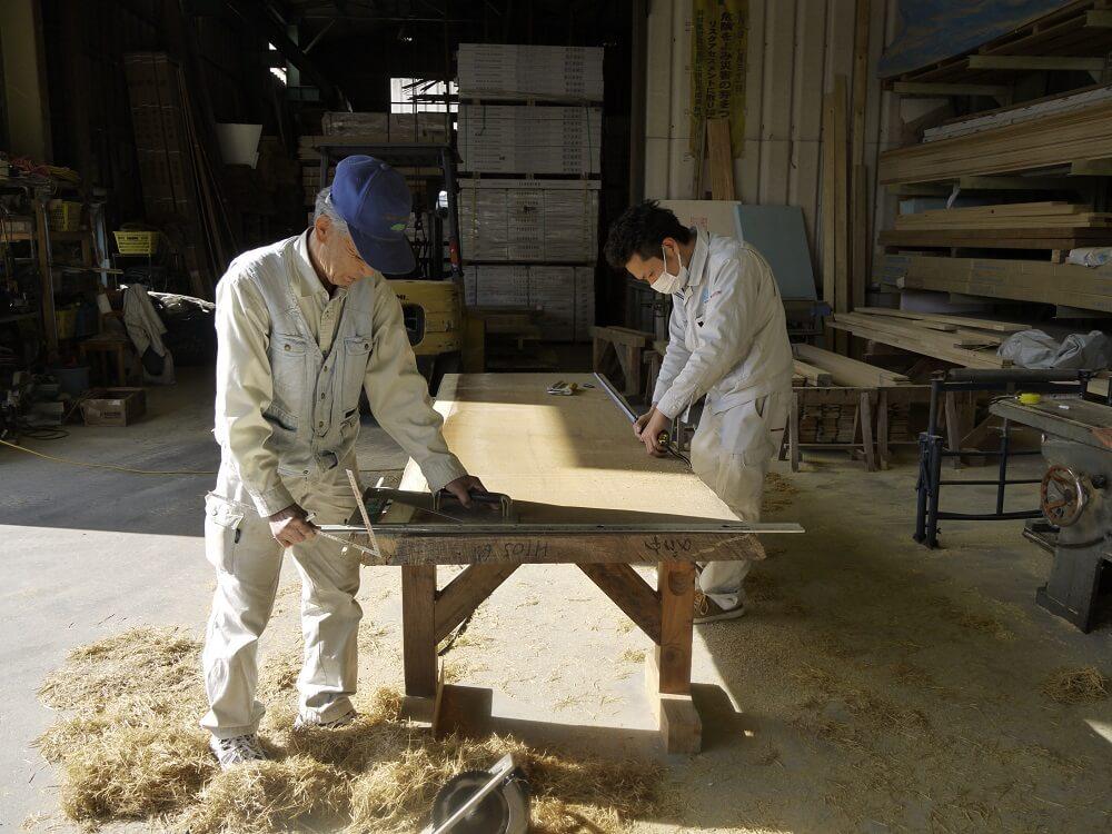 注文住宅|安水建設|愛知県三河エリアの木造注文住宅・リフォーム無垢の一枚板のダイニングテーブル