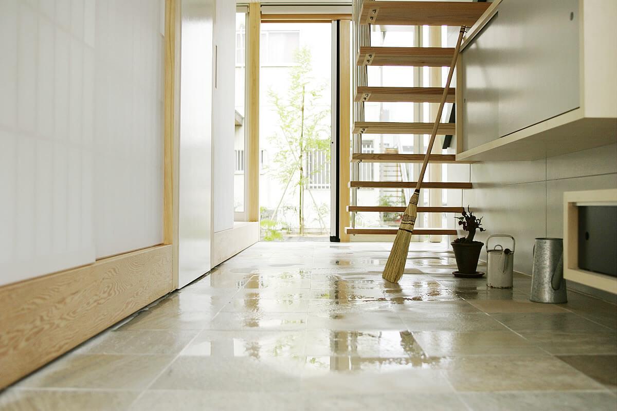 風とおしのいい土間は|io(イーオ)|家族が心地よく暮らせる私サイズの家|安水建設