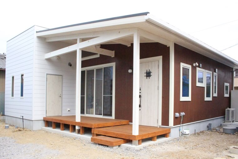 HUCK|DIYできるログハウスデザイン|安水建設フラットハウスBERET(ベレー)