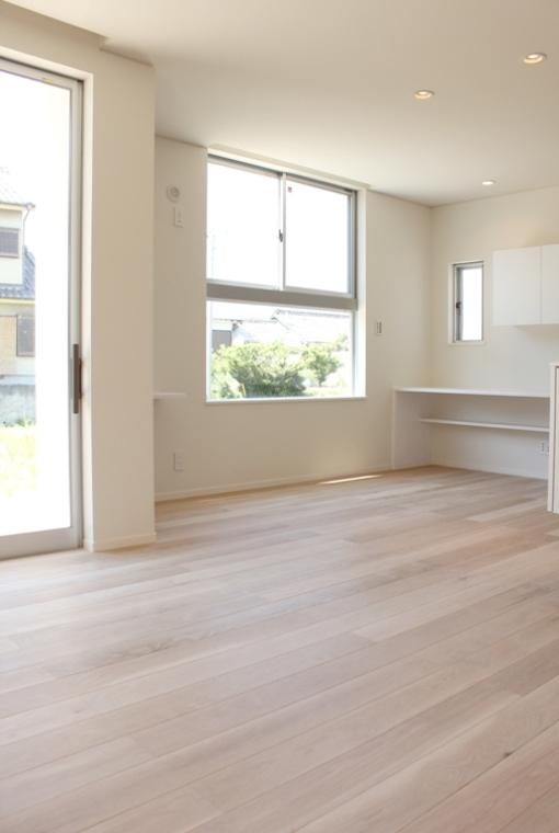 自然素材のぬくもりが心地いい家|io(イーオ)|家族が心地よく暮らせる私サイズの家|安水建設
