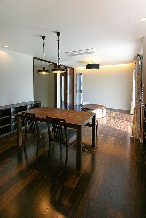 マイアートハウス|io(イーオ)|家族が心地よく暮らせる私サイズの家|安水建設