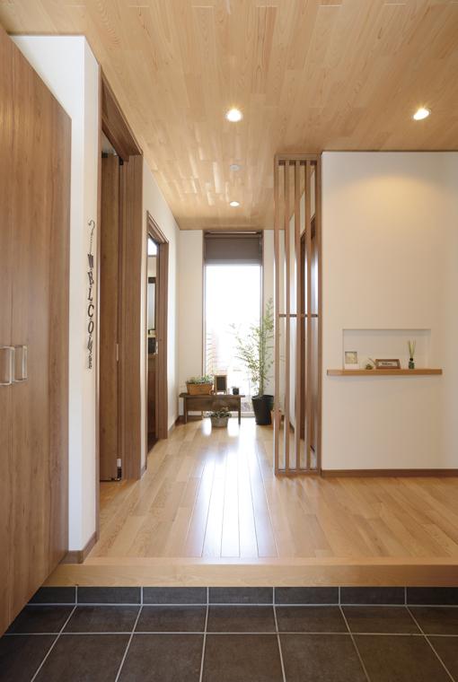 ほどよくつながったなごみの家 ~モダン二世帯住宅~|三河の家|木の香り漂う贅沢なくつろぎの注文住宅|安水建設