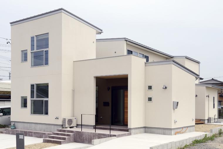 io(イーオ)|家族が心地よく暮らせる私サイズの家|安水建設暮らしを彩る中庭のある家