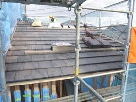 和の趣を宿すモダンな家 屋根工事