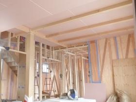 和の趣を宿すモダンな家 木工事