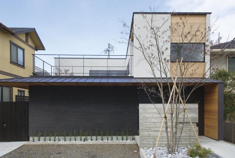 家族が繋がる木の平屋建て|三河の家|木の香り漂う贅沢なくつろぎの注文住宅|安水建設凪の家