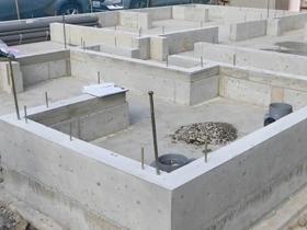 非公開: やわらかな光がそそぐ吹き抜けのある家(建築中) 基礎工事