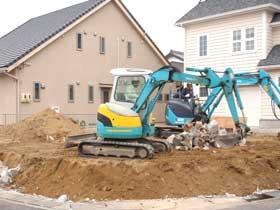 非公開: 庭を囲む土間のある家(建築中) 基礎工事