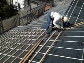 非公開: 大屋根が印象的な小川の家(建築中) 屋根工事