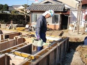 非公開: 自然素材のぬくもりが心地いい家(建築中) 基礎工事