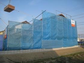 非公開: 吹き下ろし屋根のガレージをもつ和邸(建築中) 上棟の様子