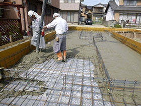 非公開: 暮らしを彩る中庭のある家(建築中) 基礎工事