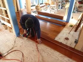 非公開: モダンの中に和漂う家(建築中) 木工事