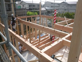 非公開: バイクガレージのある木の家(建築中) 上棟の様子