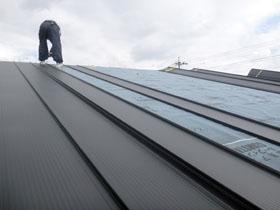 非公開: 素材を楽しむインダストリアルハウス(建築中) 屋根工事