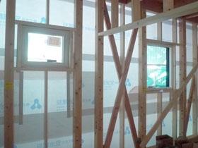 非公開: 素材を楽しむインダストリアルハウス(建築中) サッシ工事