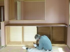 非公開: 無垢一枚板カウンターのある和邸(建築中) 塗装工事