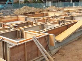 非公開: 木に包まれて暮らす二世帯平屋建て(只今建築中) 基礎工事