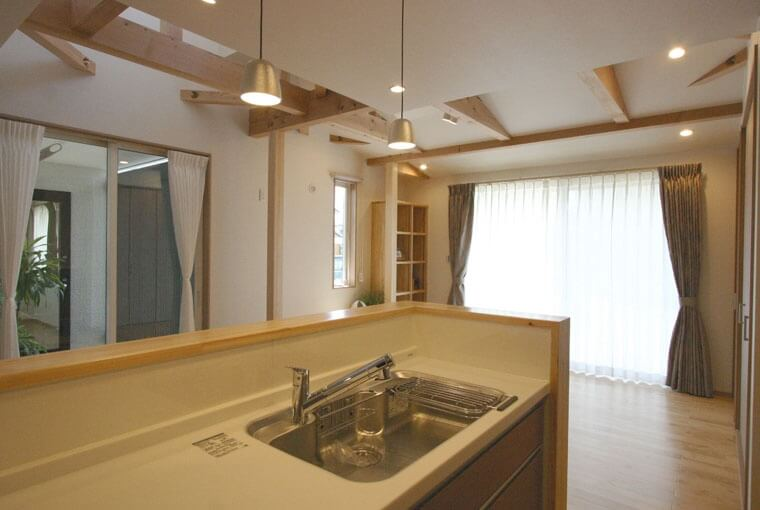 暮らしを愉しむ自然素材の平屋建て|三河の家|木の香り漂う贅沢なくつろぎの注文住宅|安水建設