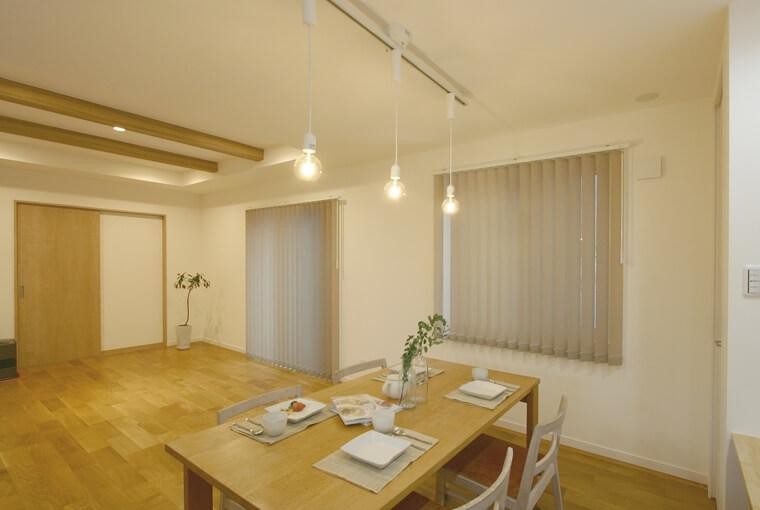 色や素材で楽しむハンサムな木の家|エースホーム|デザインと性能を兼ね備えた規格型住宅|安水建設