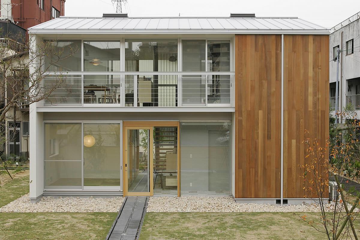 家族が心地よく暮らせる私サイズの家「io」|安水建設