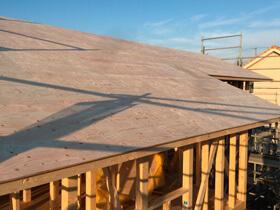 只今建築中 屋根工事