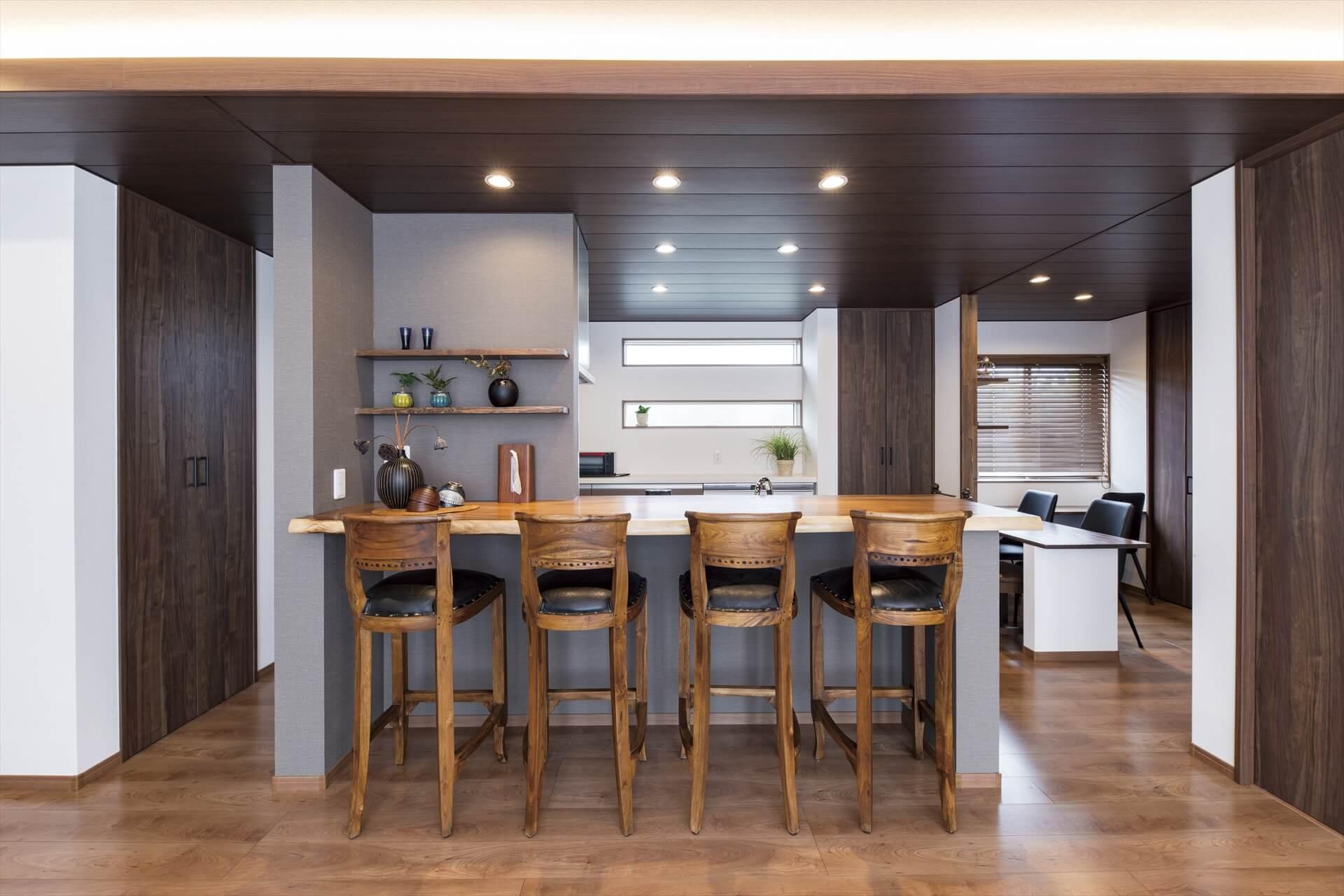 一枚板カウンターや趣味部屋、魅せドコロ満載の住みよい家