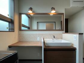 大人の和モダンスタイル 洗面室