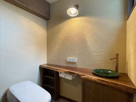 大人の和モダンスタイル トイレ造作手洗い