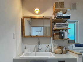 マイ・カリフォルニアスタイルの家 洗面室