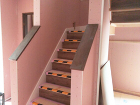タノしく、ラクする家 階段
