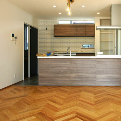 注文住宅|安水建設|愛知県安城市を中心に三河エリアの木造注文住宅・リフォームヘリンボーン。