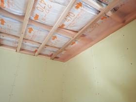 暮らしの移ろいを愉しむ家 天井断熱